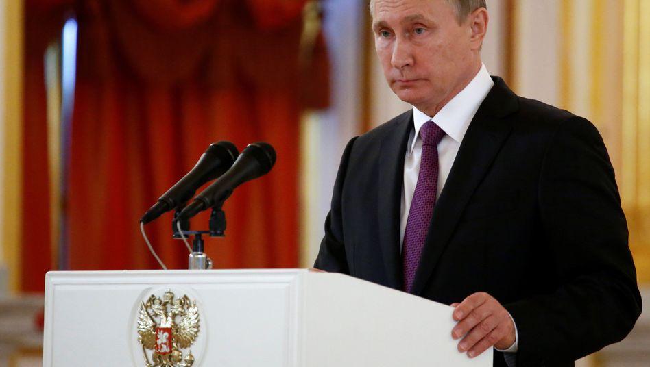 Wladimir Putin: Der Kreml räumt Kontakte zu Trumps Wahlkampfteam ein