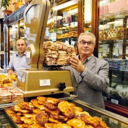 Einfach lecker: In der Bäckerei Inci Pastanesi bekommt man seit mehr als 100 Jahren süßes Backwerk