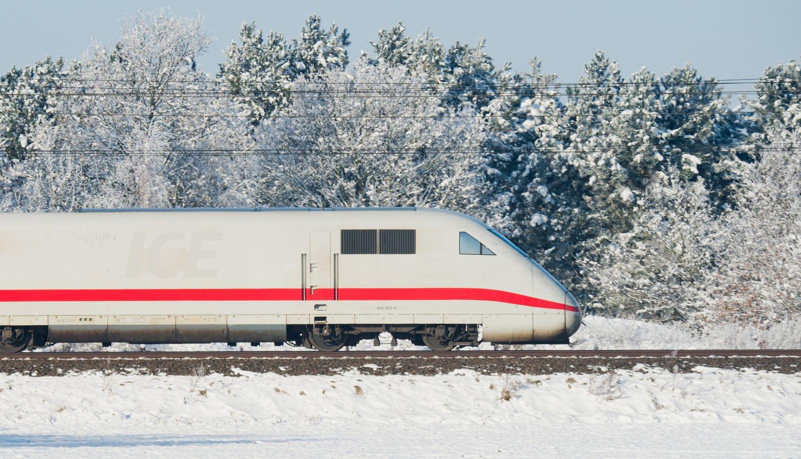 ICE/ Schnee