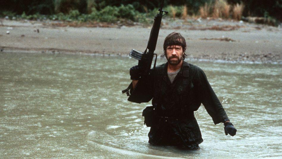 """Wenn Chuck Norris angeln geht, sagt er einfach: """"Du, du und du. Rauskommen."""" Ein bisschen mehr von diesem Geist täte auch mancher Videokonferenz gut."""