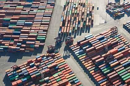 Hafenumschlag in Hamburg: Bisher zeigt sich die deutsche Konjunktur robust
