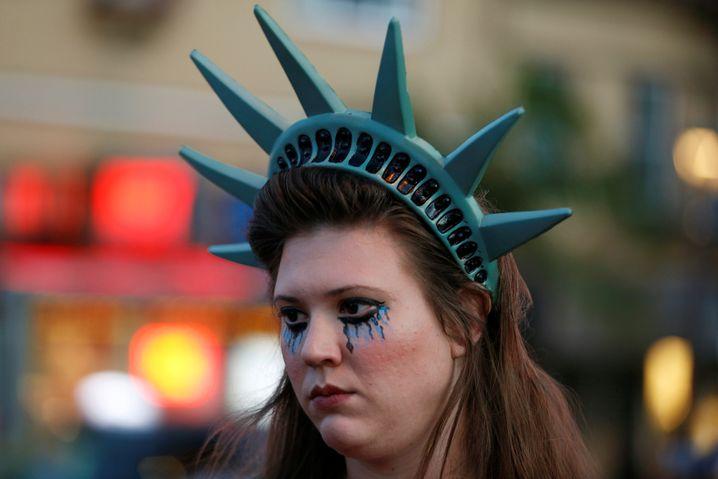 Quo vadis, Amerika? Das fragt sich am Tag nach der US-Wahl nicht nur diese junge Frau