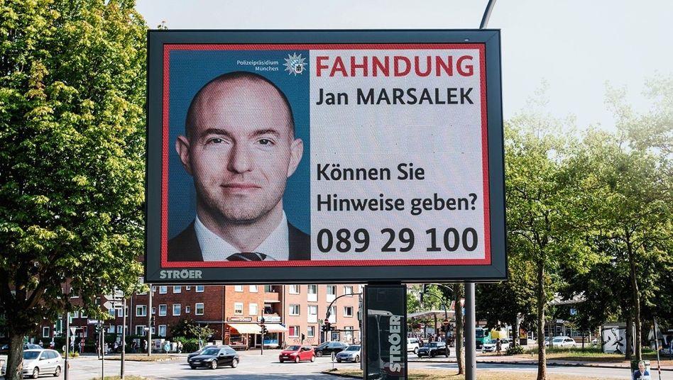 Most wanted zum Rabattpreis:Fahndung nachJan Marsalekauf Ströer-Displays