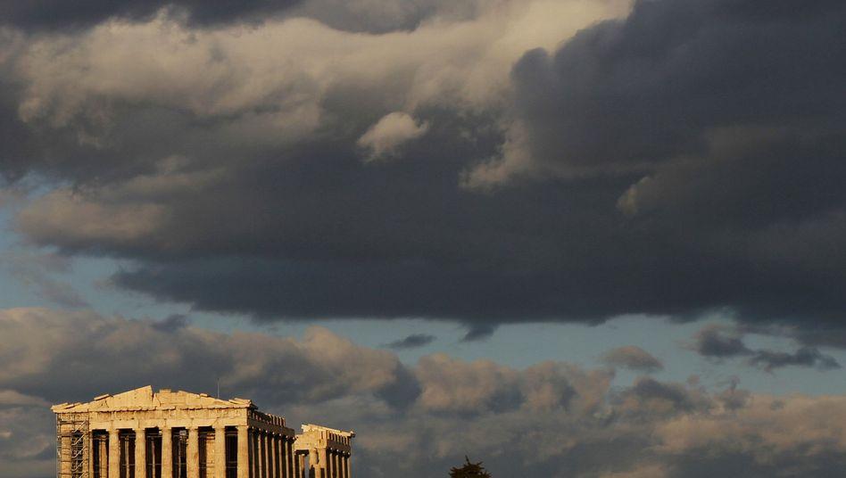 Dunkle Wolken über Athen: An Finanzmärkten auf die Umschuldung spekuliert