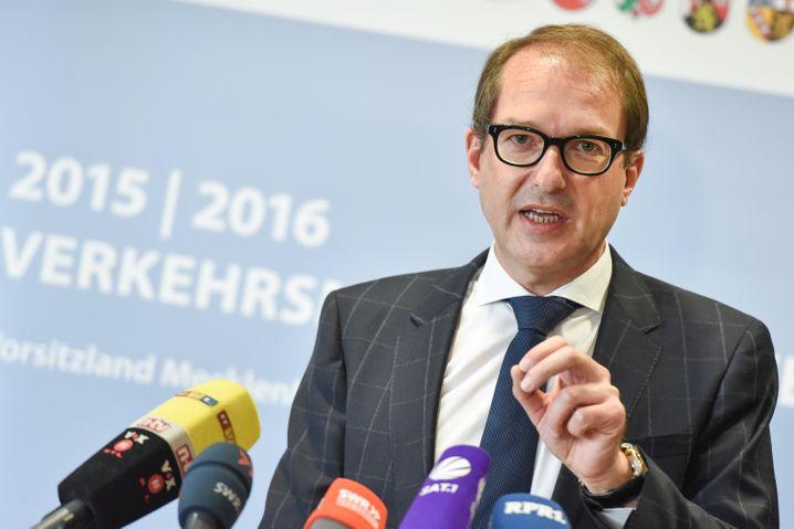 """Bundesverkehrsminister Alexander Dobrindt: Bei der Diskussion um die Kaufprämie hat er """"keine ideologischen Vorbehalte"""" mehr"""