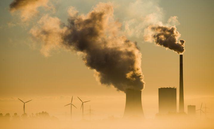 Stromproduktion aus Wind und Kohle: Die Energiewende ist gewaltig, aber das Ziel ist in 80 Prozent der Zeit erst zu 55 Prozent erreicht