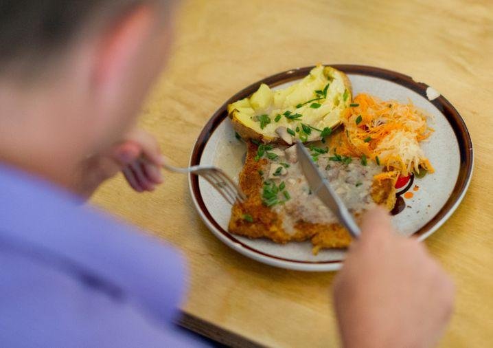 Eiweiß, Kohlenhydrate, Gemüse: Wenn Sie Ihren Teller so bestücken, können Sie nicht viel falsch machen