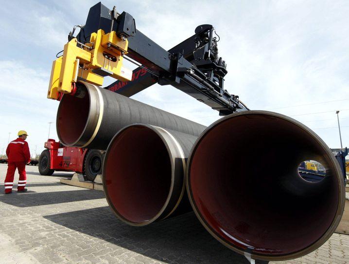 Wichtige Säule: Eon und RWE verdienen traditionell viel Geld mit Gas. Doc seit die Weltmarktpreise sinken, rächen sich die langfristigen Lieferverträge zu mit Russland