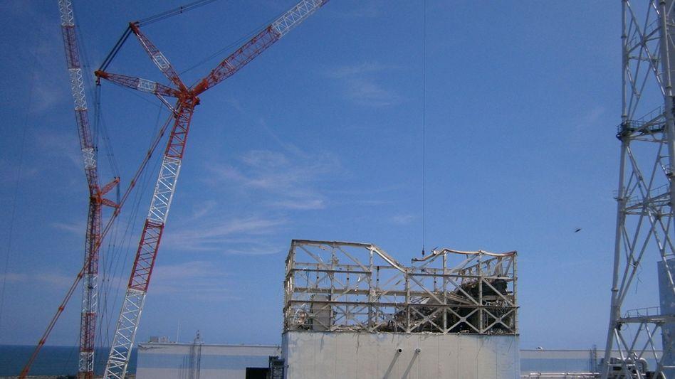 Unglück mit Folgen: Die Reaktorkatastrophe von Fukushima ist einer der Gründe, weshalb Japans Export im vergangenen Jahr gesunken ist.