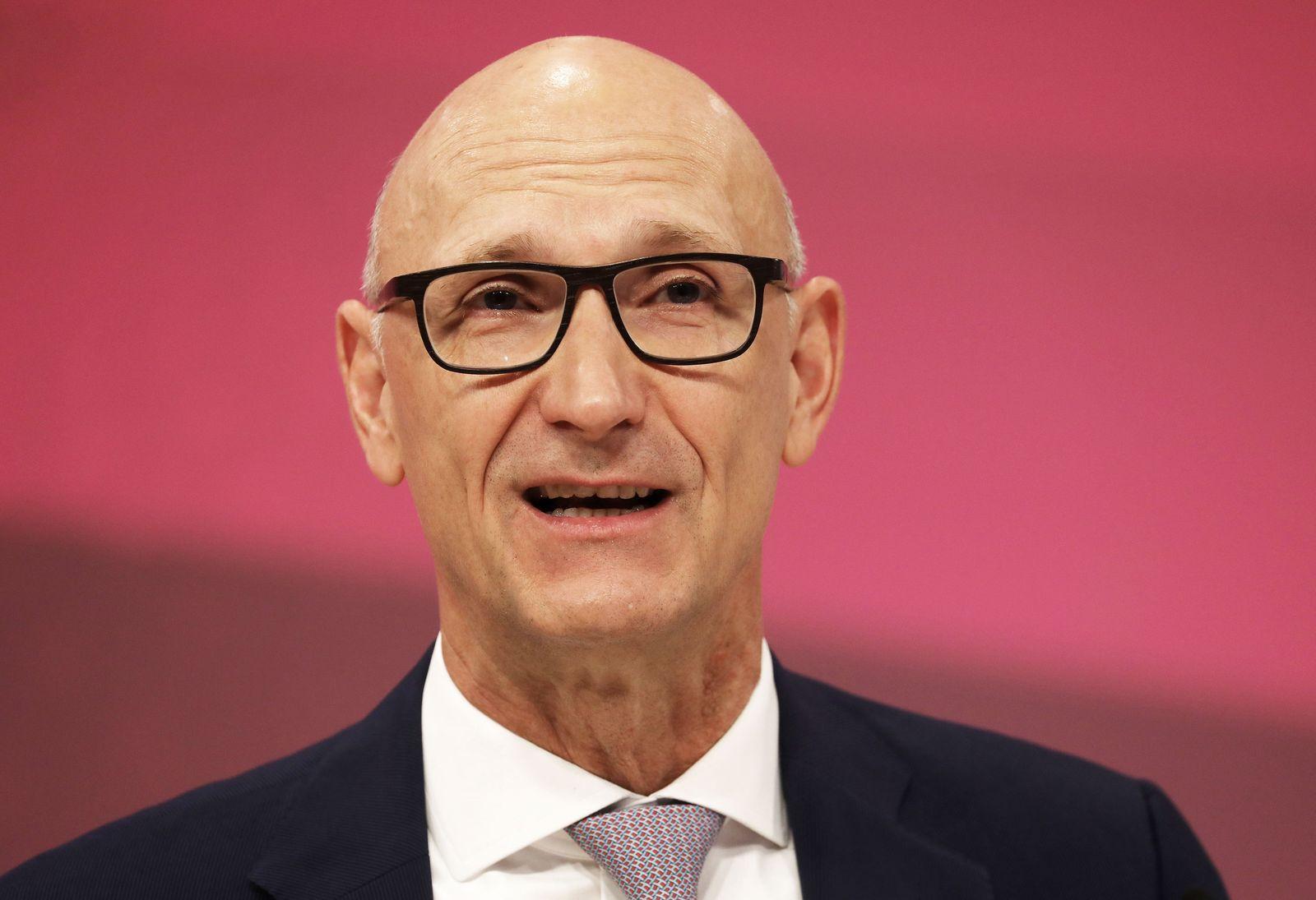 Deutsche Telekom - Jahrespressekonferenz