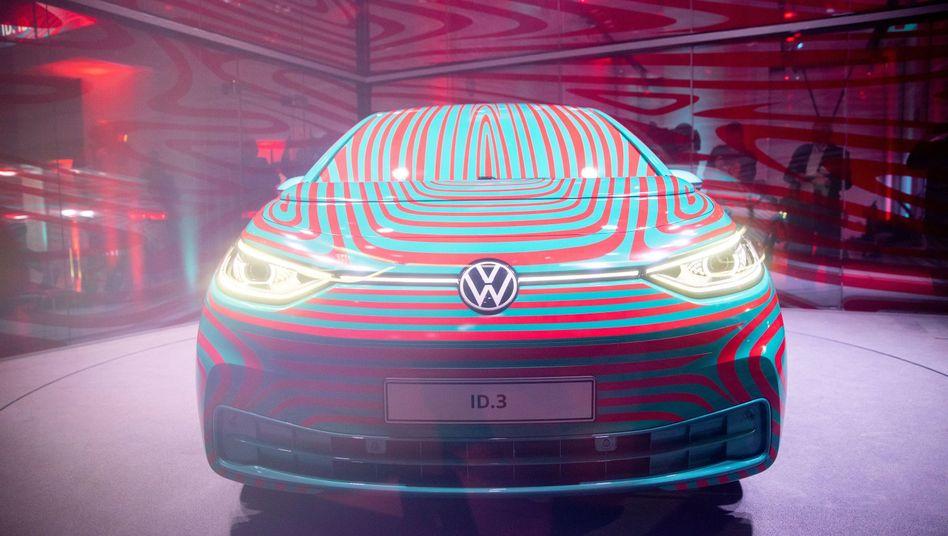 Aufbruch in die Zukunft: Das neue E-Modell ID3 steht für Volkswagens Wandel und Modernisierung.