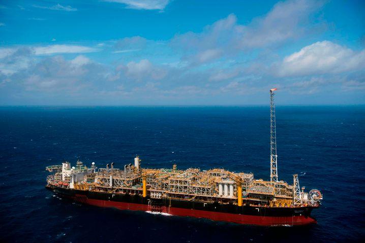 Ölbohrschiff von Petrobras im Atlantik