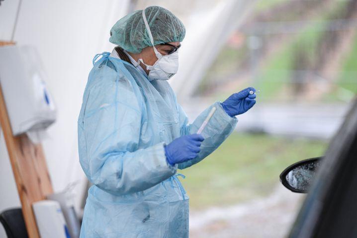 Corona-Teststation: Die WHO hat Covid-19 zur Pandemie erklärt