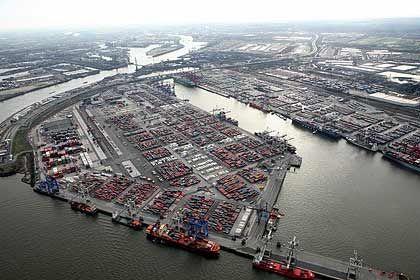 Bieterverfahren gestoppt: Containerterminal im Hamburger Hafen