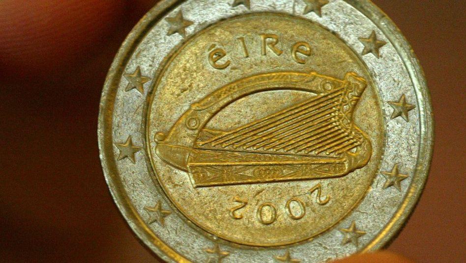 Irische Zwei-Euro-Münze: Privatanleger, die in Staatsanleihen investieren, müssen künftig Umschuldungsklauseln akzeptieren