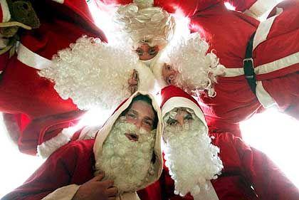 Wünschen sich ausgabefreudigere Konsumenten: Weihnachtsmänner 2005