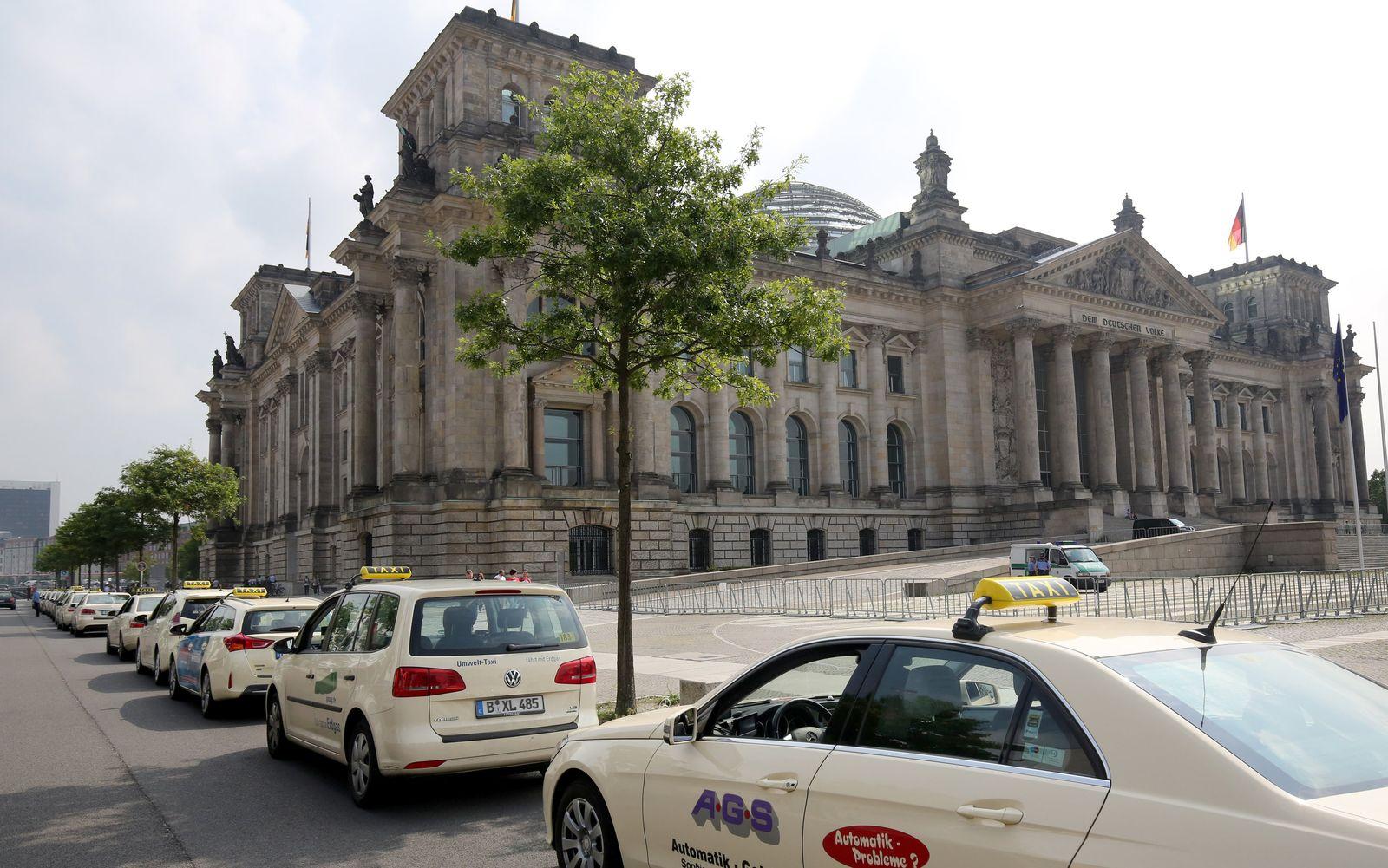 Bundestag Sondersitzung Fahrdienst