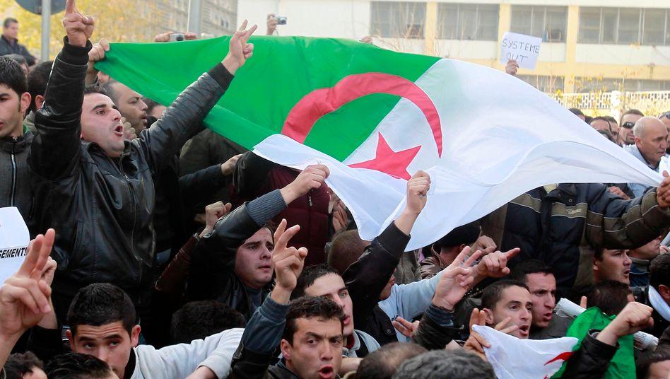 Demonstration in Algier gegen Bouteflika: Die Welle des Protests schwappt über