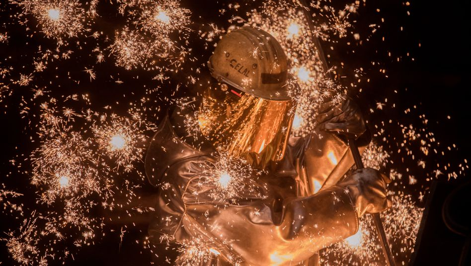 Hochofen im Werk Schwelgern von Thyssenkrupp: Das Ergebnis der Stahlsparte ist eingebrochen