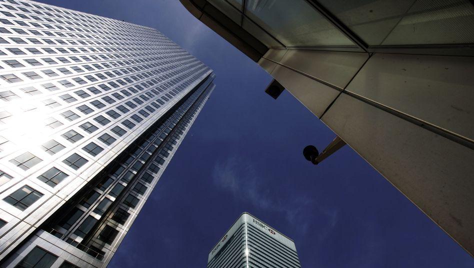 Hoch hinaus: Die HSBC hat im Jahr 2010 einen kräftigen Gewinnsprung hingelegt, blickt aber nicht ganz so optimistisch in die Zukunft, wie das die Investoren wohl erhofft haben