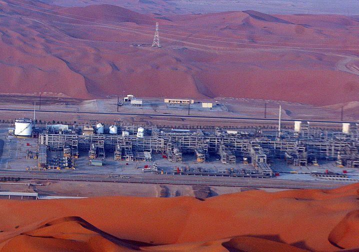 Ölfeld in Saudi-Arabien: Der Ölpreis ist unter Druck geraten, die Opec will gegensteuern.