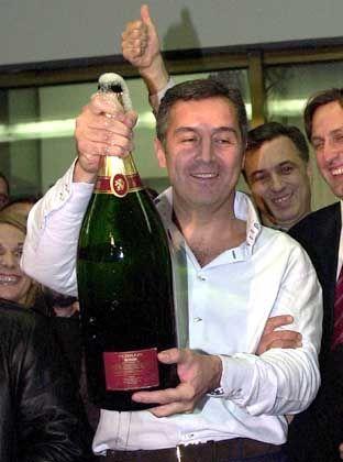 2002 erneut an die Regierungsspitze gewählt: Milo Djukanovic, der 1991 erstmals das Amt des Premierministers antrat