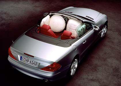 Diesmal gefüllt mit Watte: Normalerweise sackt der Airbag nach kurzer Zeit wieder in sich zusammen