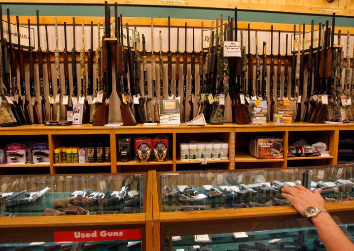 Waffenladen in den USA. Aktuell ziehen die Verkäufe deutlich an