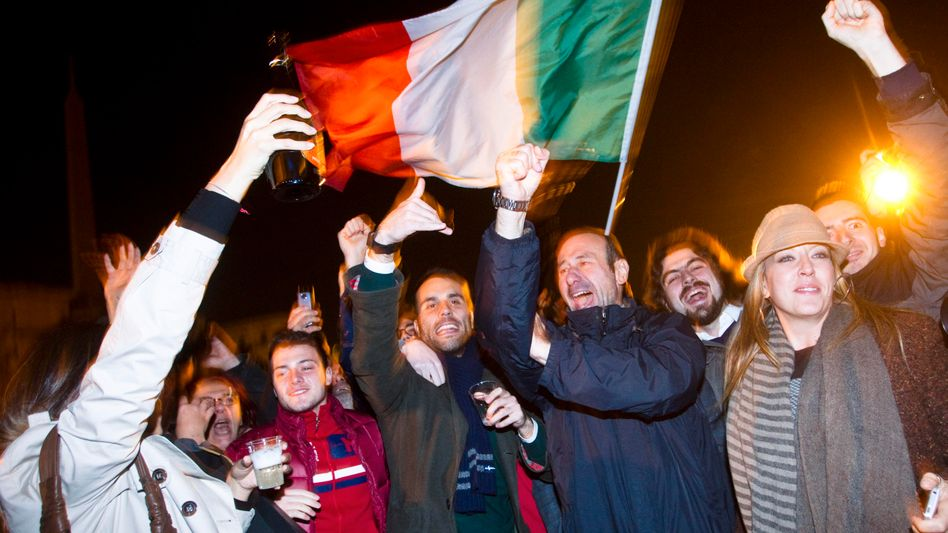 Historische Wende: Junge Römer bejubeln den Abgang Berlusconis