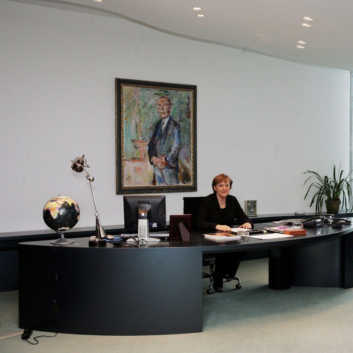 Das Bundeskanzleramt Im Vergleich Mit Anderen Regierungszentralen Manager Magazin