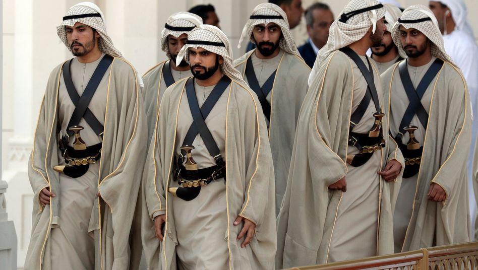 Präsidenten-Garde in Abu Dhabi: Auch Abu Dhabi Investment Authority aus den Vereinten Arabischen Emiraten ist unter den Investoren