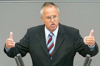 """""""Etatlage wird noch schwieriger"""": Hans Eichel im Bundestag"""