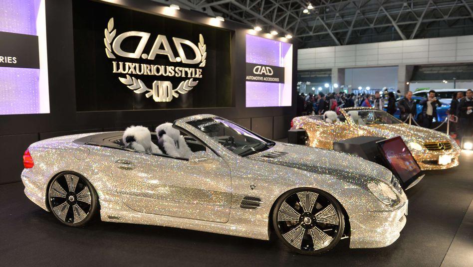 Mit Kristallen verzierter Mercedes auf der Automesse in Tokyo: Null Einfuhrprobleme für deutsche Autos