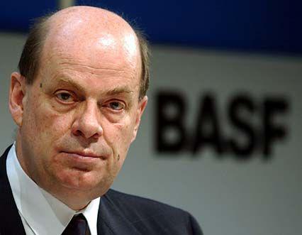 BASF-Chef Jürgen Strube und seine Vorstandskollegen verdienten im Jahr 2001 insgesamt 9,3 Millionen Euro