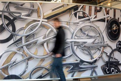 """Opel zuhauf: Dekoration im Museum """"Automobile Welt Eisenach"""""""