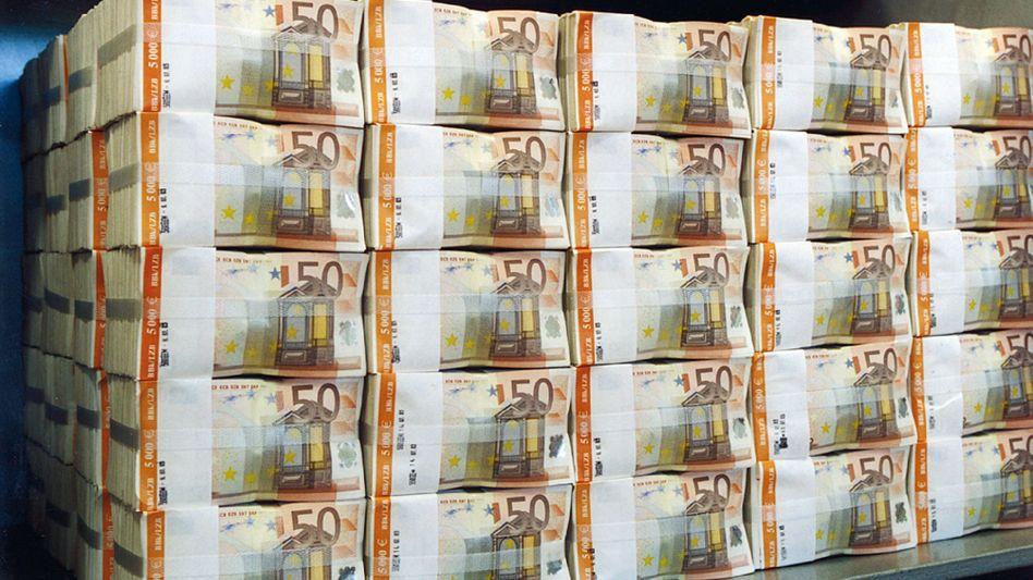 300 Millionen Euro fertig zum Abheben - und das im durchaus doppelten Wortsinn. Doch die USA wollen den Geldtransport von Deutschland nach Iran verhindern
