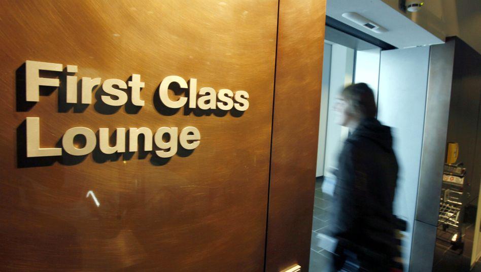 Bald vielleicht wieder offen: Eingang der First Class Lounge in Frankfurt am Main