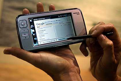 Entwicklungsvorsprung: Nokia stellte sein N800-Surftablet auf der CES 2007 als Google-Medium vor