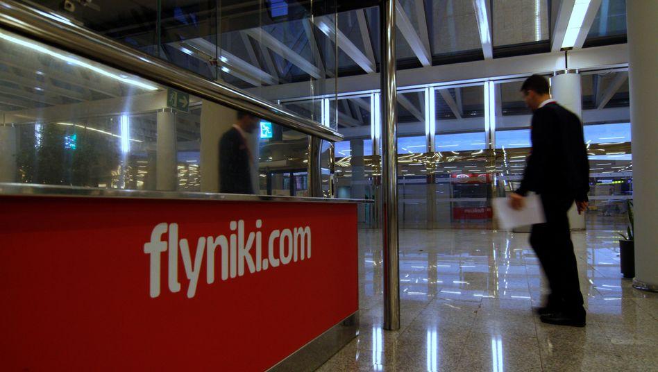 FlyNiki-Schalter am Flughafen: In Österreich läuft jetzt ein zweites Insolvenzverfahren