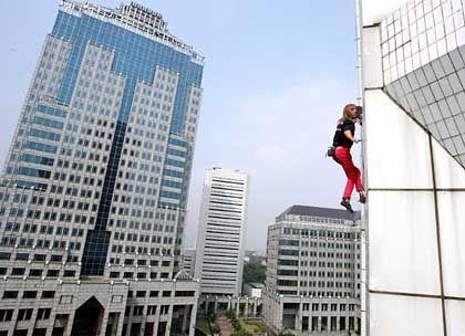 Klettertour: Sparpläne zahlen sich über die Jahre aus - trotz des Absturzrisikos der Börsen