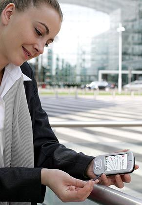 MDA Compact: Großes Display - aber das Telefonieren mit dem Alleskönner ist gewöhnungsbedürftig