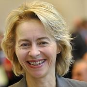 Darf nun doch das Ressort wechseln: Noch-Familienministerin von der Leyen