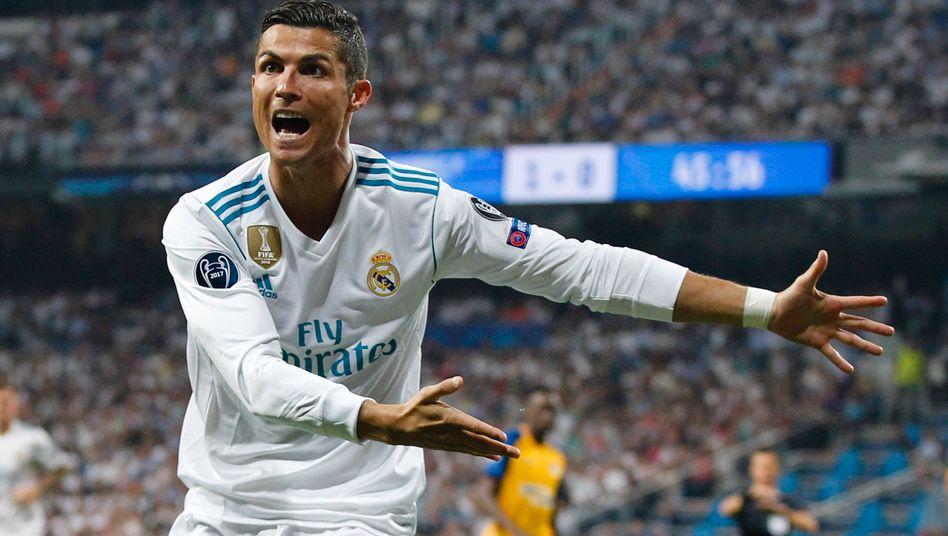 Christiano Ronaldo: Jedes zweite verkaufte Trikot von Real Madrid (90 bis 120 Euro) trägt die Rückennummer 7. Der Nike-Werbestar verhalf damit ausgerechnet Adidas zu Top-Umsätzen. Doch reicht das aus, um die Millionensummen für Sponsoring jemals wieder einzuspielen?