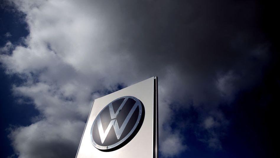 """Volkswagen will nach den Worten von Vorstandschef Herbert Diess """"in der Summe aller Geschäftsteile profitabel bleiben und ein positives operatives Ergebnis in 2020 erzielen"""""""