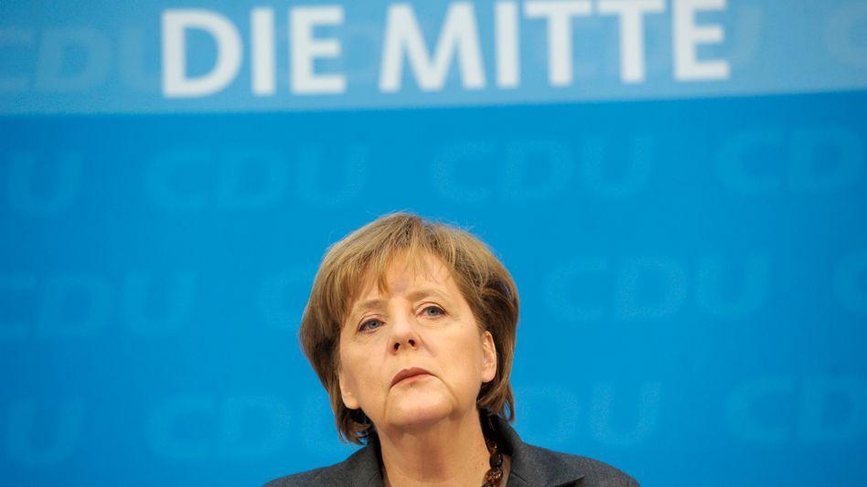 Bundeskanzlerin Angela Merkel (CDU): Lagebesprechung im Kanzleramt