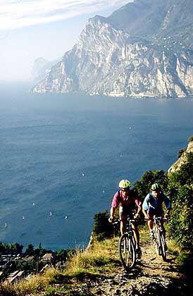 Traumziel Gardasee: Vor allem Pensionäre und Rentner haben dorthin ihren Wohnsitz verlegt