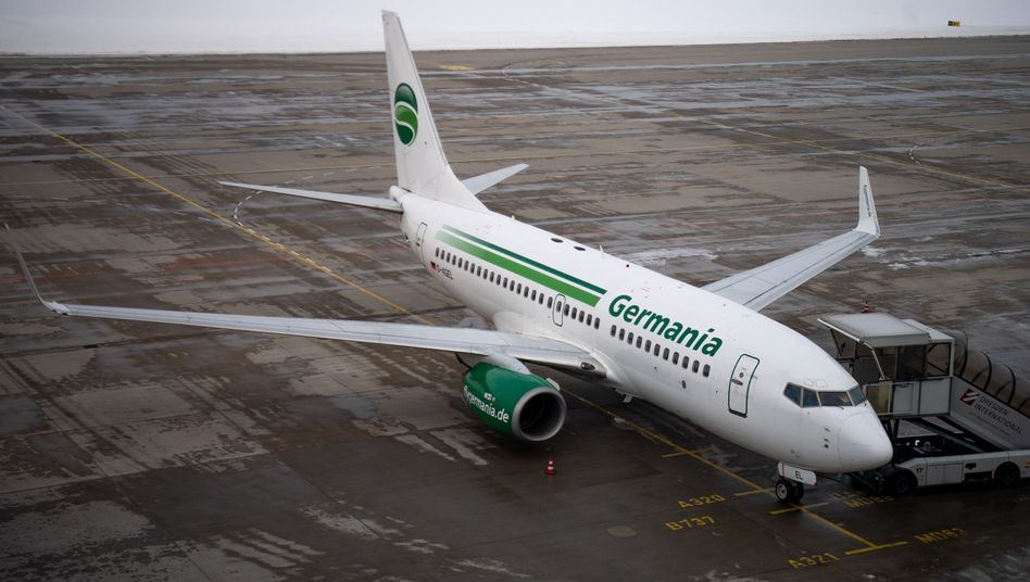 Germania-Flugzeug in Dresden: Die Airline steuerte viele Ziele im Mittelmeer an