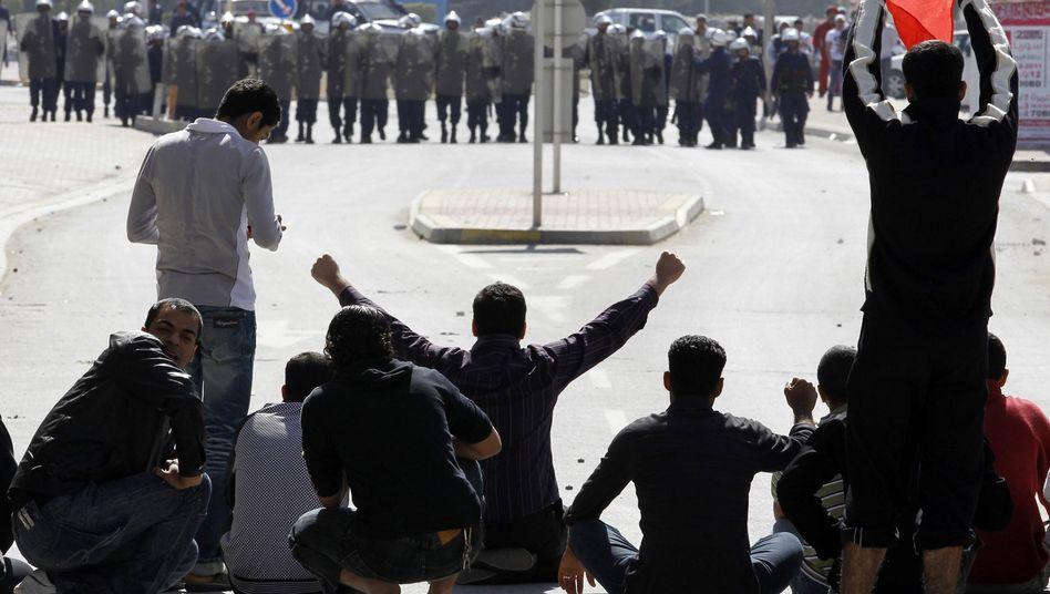 Demonstranten in Bahrain: Offenbar ohne Vorwarnung niedergeschossen