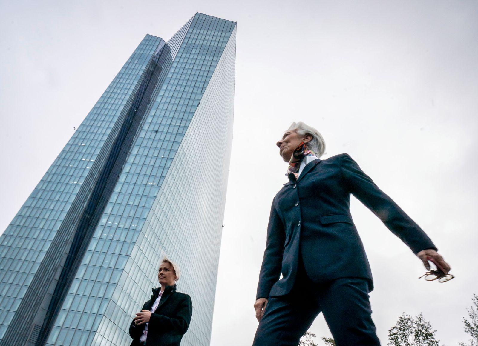 Christine Lagarde tritt Amt an