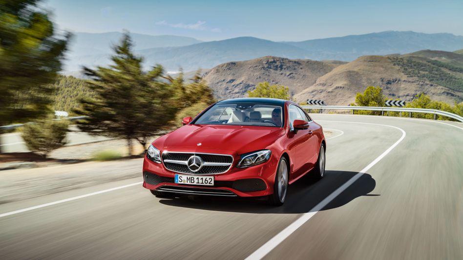 Mercedes-Benz E-Klasse: Daimler dürfte den operativen Gewinn auf knapp 15 Milliarden Euro gesteigert haben